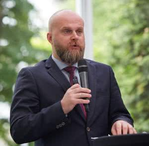 Krzysztof Łanda, prezes Fundacji Watch Health Care przekonuje, że obietnice Ministerstwa Zdrowia w sprawie kobiet z zaawansowanym rakiem piersi w Polsce nie zostały zrealizowane.